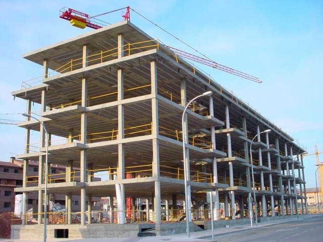 Construcciones, edificaciones y obras.